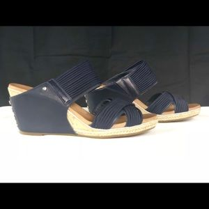 1be58d9d31f UGG Australia Hilarie Wedge Slide Sandal